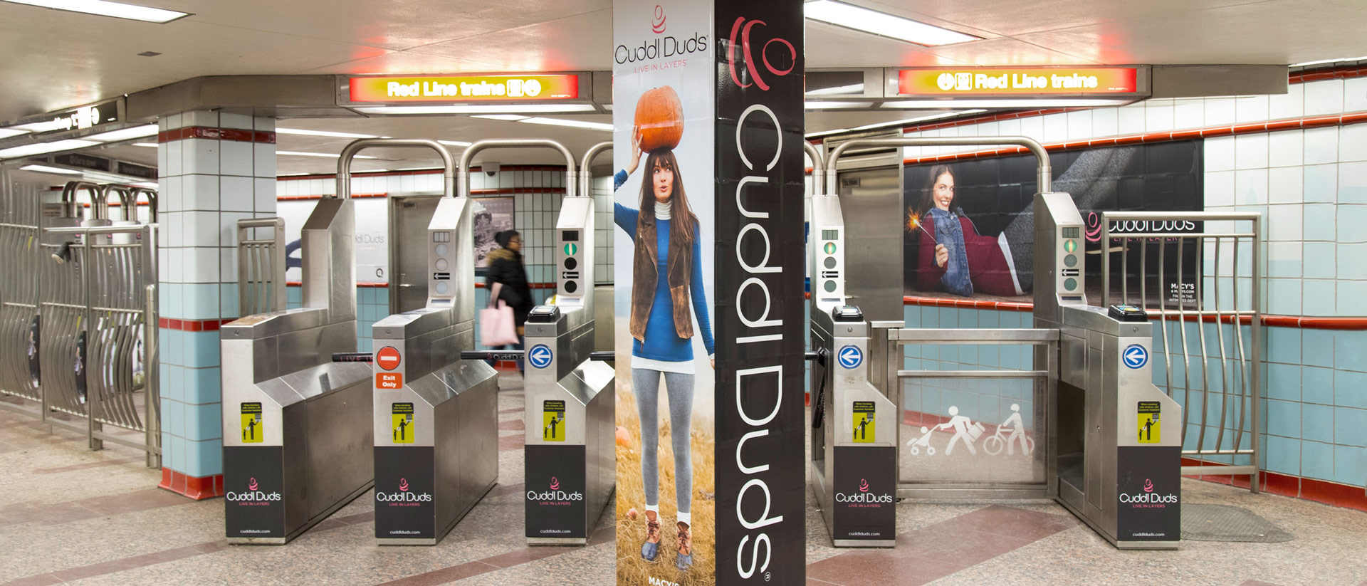 Outdoor Signage for CuddlDuds